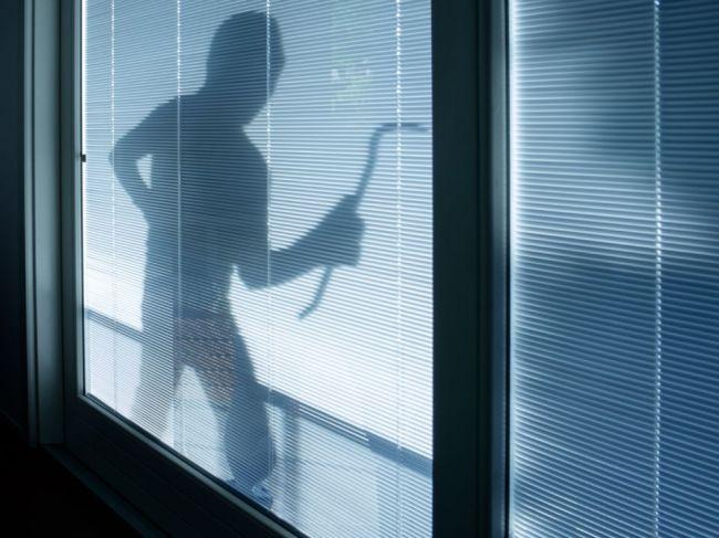 3 zvláštne signály toho, že sa na váš dom zamerali lupiči