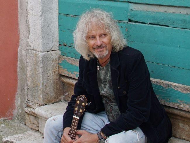 Peter Nagy predstavuje klip ku skladbe Tam, kde nie je signál