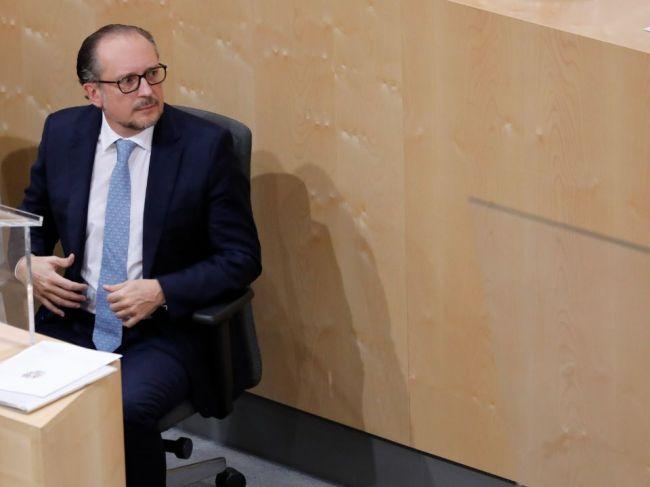Rakúsky kancelár Schallenberg navštívi Slovensko