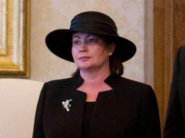 Pred médiá sa prvýkrát postavila manželka Miloša Zemana, verejnosť prosí o toleranciu