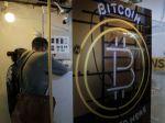 Bitcoin pokračuje v raste a jeho cena sa približuje k rekordnému maximu