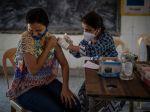 V Indii aplikovali obyvateľom už miliardu dávok vakcín proti covidu