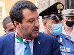 Salvinimu hrozí za blokovanie lode s migrantmi do 15 rokov väzenia